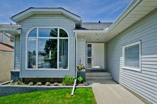 Photo 2: 102 Hawkdale Circle NW in Calgary: Hawkwood Detached for sale : MLS®# A1064855