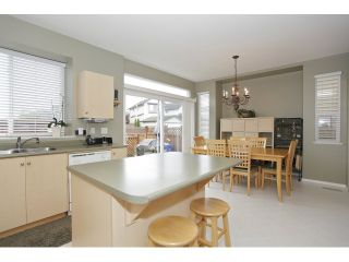 Photo 10: 6782 184 ST in Surrey: Cloverdale BC Condo for sale (Cloverdale)  : MLS®# F1437189