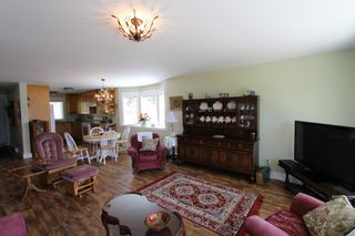 Photo 11: 7823 Squilax Anglemont Road in Anglemont: North Shuswap House for sale (Shuswap)  : MLS®# 10116503