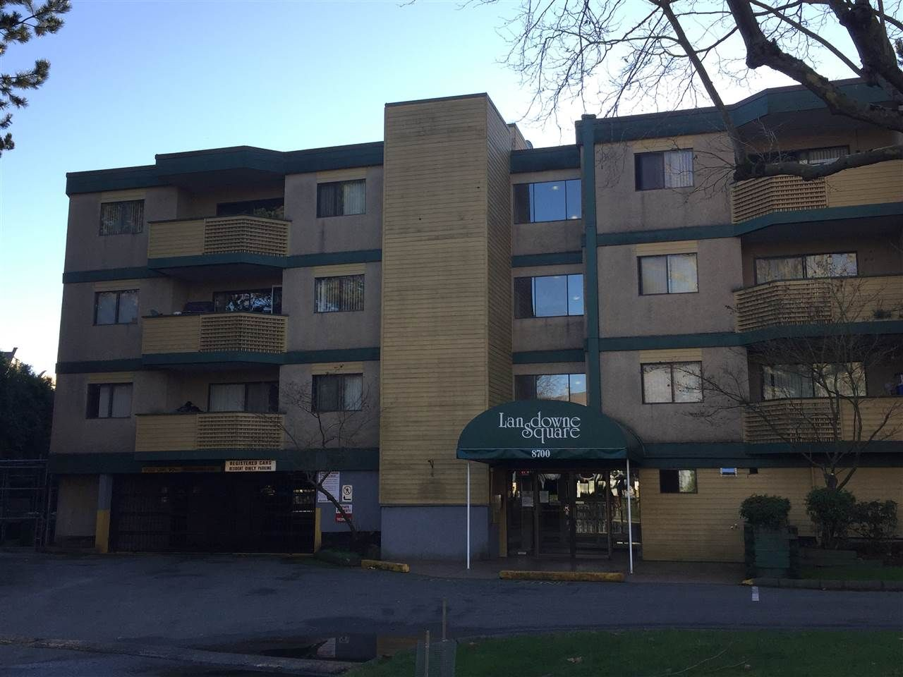 Main Photo: 315 8700 ACKROYD ROAD in : Brighouse Condo for sale : MLS®# R2225773