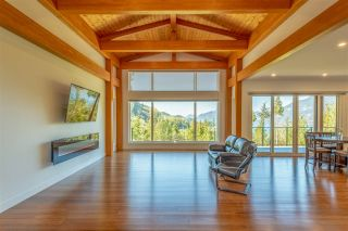 "Photo 4: 1024 GOAT RIDGE Drive: Britannia Beach House for sale in ""Britannia Beach"" (Squamish)  : MLS®# R2528236"