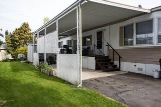 """Photo 12: 260 1840 160TH Street in Surrey: King George Corridor Manufactured Home for sale in """"Breakaway Bays"""" (South Surrey White Rock)  : MLS®# R2176402"""
