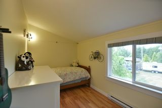 Photo 18: 256 KNIGHT Road in Gibsons: Gibsons & Area House for sale (Sunshine Coast)  : MLS®# R2600569