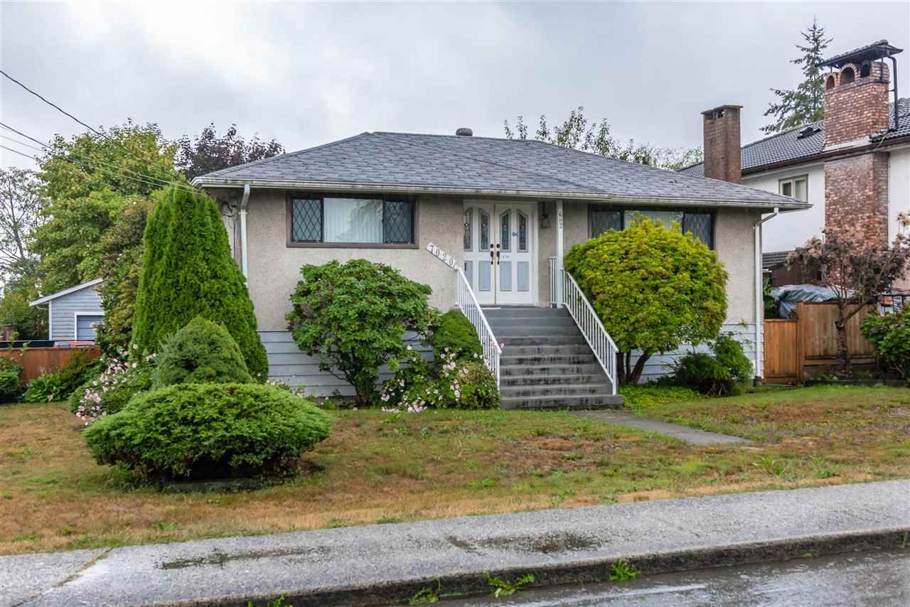 Main Photo: 7020 Kitchener St Burnaby, BC, V5A 1K9 in Burnaby: Sperling-Duthie House for sale (Burnaby East)  : MLS®# R2307486