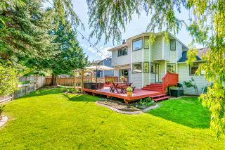 Photo 1: 6130 PARKSIDE Close in Surrey: Panorama Ridge House for sale : MLS®# R2454955