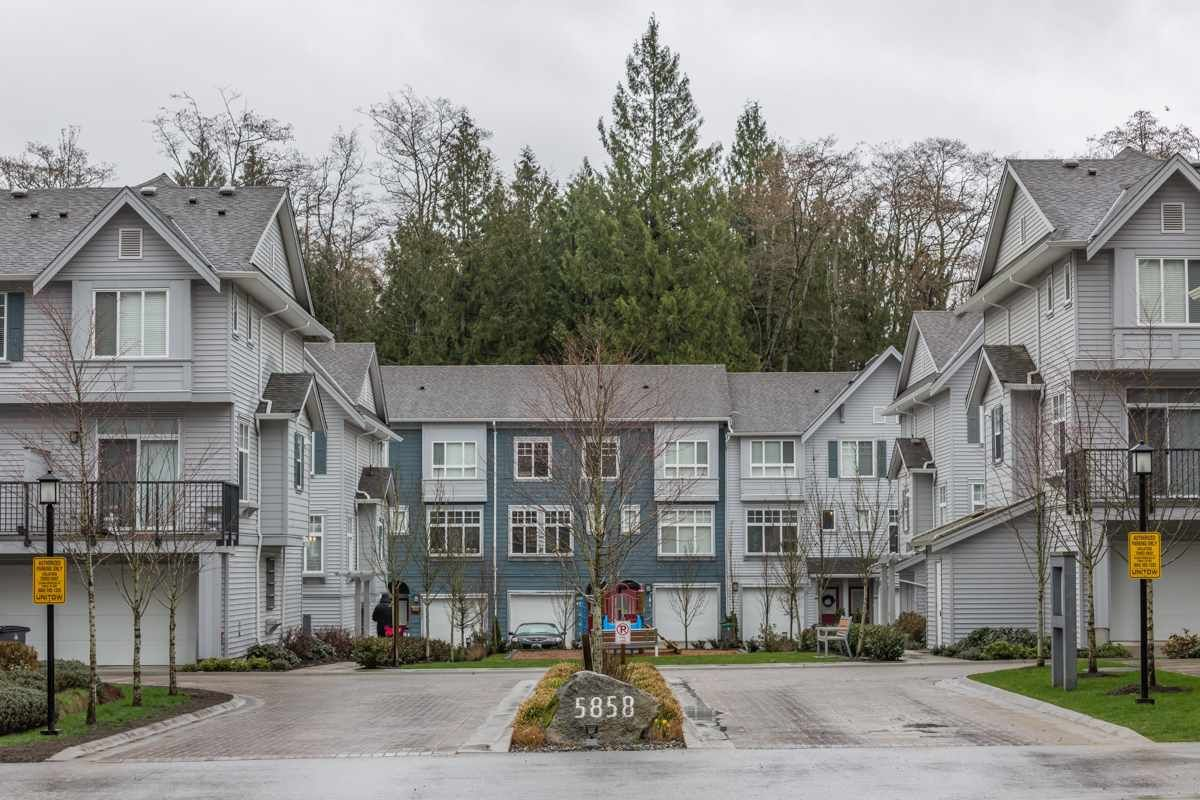 """Main Photo: 37 5858 142ND Street in Surrey: Sullivan Station Townhouse for sale in """"Brooklyn Village"""" : MLS®# R2154644"""