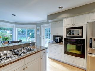 Photo 5: 777 Wesley Crt in : SE Cordova Bay House for sale (Saanich East)  : MLS®# 888301