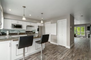"""Photo 4: 5 1261 MAIN Street in Squamish: Downtown SQ Townhouse for sale in """"SKYE"""" : MLS®# R2473764"""