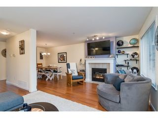 """Photo 4: 2 19948 WILLOUGHBY Way in Langley: Willoughby Heights Townhouse for sale in """"Cranbrook Court"""" : MLS®# R2324566"""