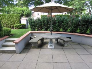"""Photo 7: 100 1788 W 13TH Avenue in Vancouver: Fairview VW Condo for sale in """"MAGNOLIA"""" (Vancouver West)  : MLS®# V985193"""