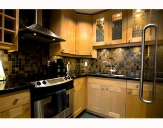 Photo 3: 141 W 13TH Avenue in Vancouver: Mount Pleasant VW Townhouse for sale (Vancouver West)  : MLS®# V747625