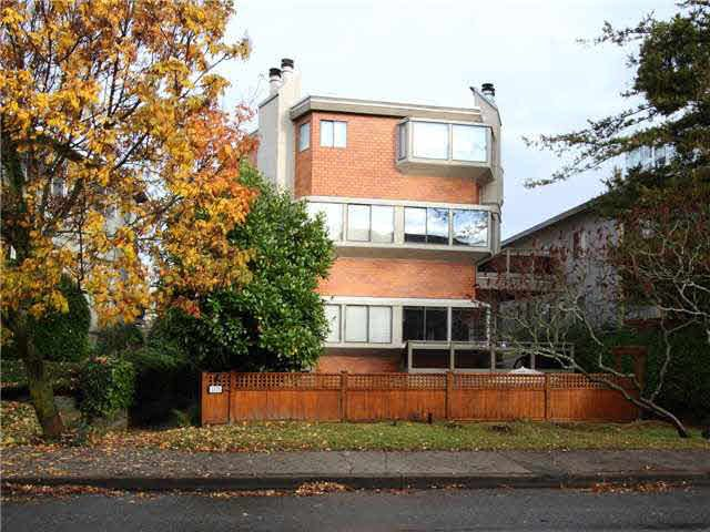 FEATURED LISTING: 5 - 1115 10TH Avenue West Vancouver
