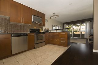 "Photo 3: 206 2211 W 5TH Avenue in Vancouver: Kitsilano Condo for sale in ""West Pointe Villa"" (Vancouver West)  : MLS®# R2418938"