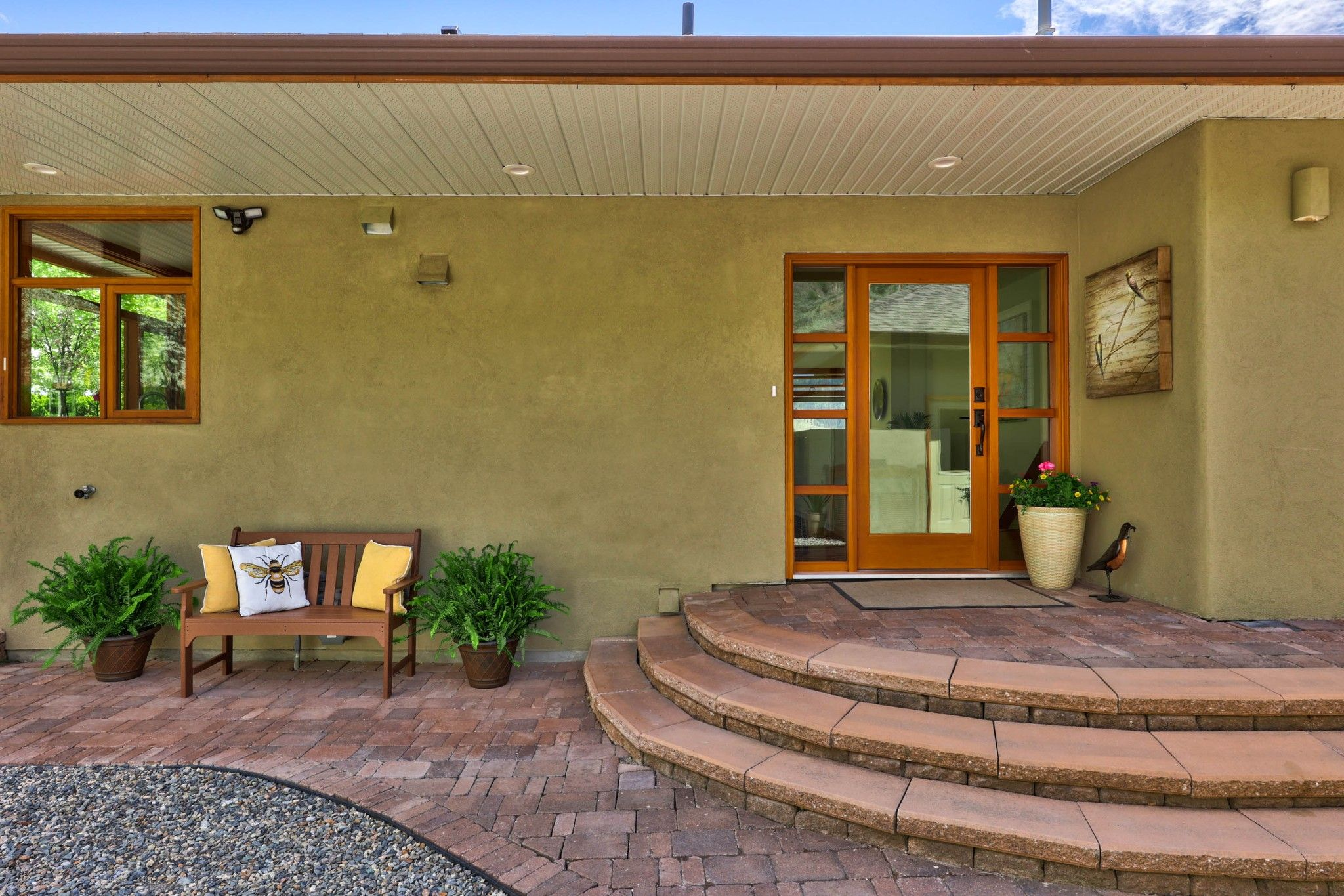 Photo 4: Photos: 3299 E Shuswap Road in Kamloops: South Thompson Valley House for sale : MLS®# 162162