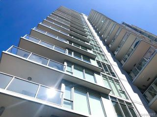 Photo 3: 605 83 Saghalie Rd in : VW Songhees Condo for sale (Victoria West)  : MLS®# 884887