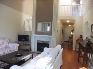 Photo 2: 28 8567 164TH Street in Surrey: Fleetwood Tynehead Townhouse for sale : MLS®# F1303565