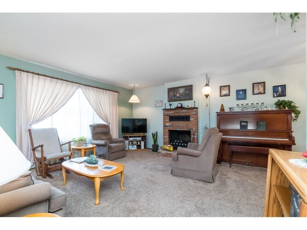 Photo 2: Photos: 3265 CHEAM Drive in Abbotsford: Abbotsford West House for sale : MLS®# R2417176