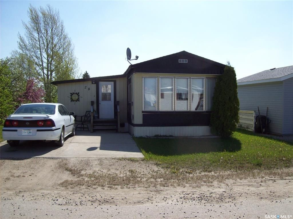 Main Photo: 28 Sycamore Drive in Sunset Estates: Residential for sale : MLS®# SK856961