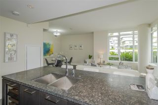 Photo 4: 600 888 ARTHUR ERICKSON PLACE in West Vancouver: Park Royal Condo for sale : MLS®# R2489622