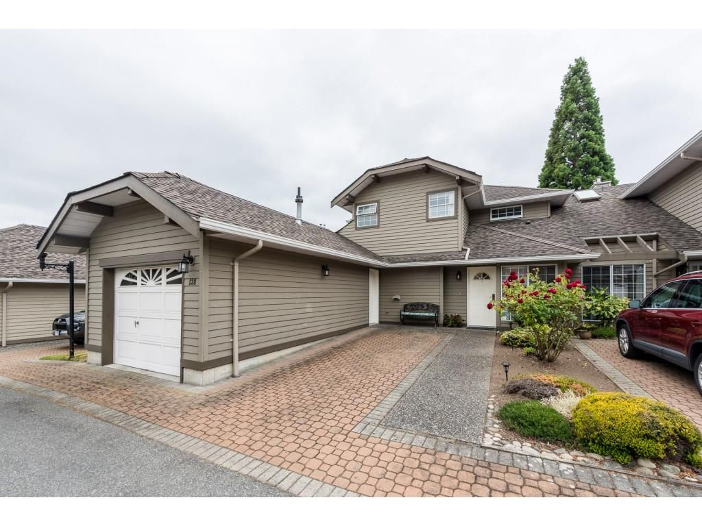 Main Photo: 138 16275 15 AVENUE in Surrey: King George Corridor Townhouse for sale (South Surrey White Rock)  : MLS®# R2401713