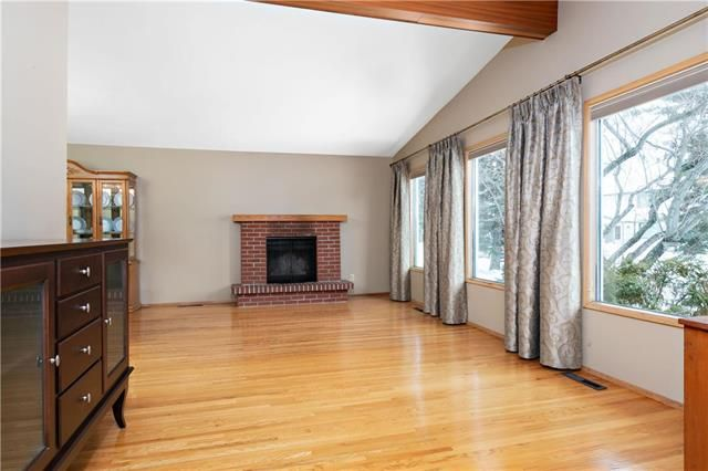 Photo 3: Photos: 26 Watercress Road in Winnipeg: Southdale Residential for sale (2H)  : MLS®# 1905184