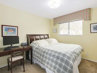 """Photo 15: 13496 15A Avenue in Surrey: Crescent Bch Ocean Pk. House for sale in """"Marine Terrace"""" (South Surrey White Rock)  : MLS®# R2152319"""