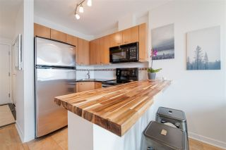 """Photo 12: 1609 1331 ALBERNI Street in Vancouver: West End VW Condo for sale in """"The Lions"""" (Vancouver West)  : MLS®# R2551404"""