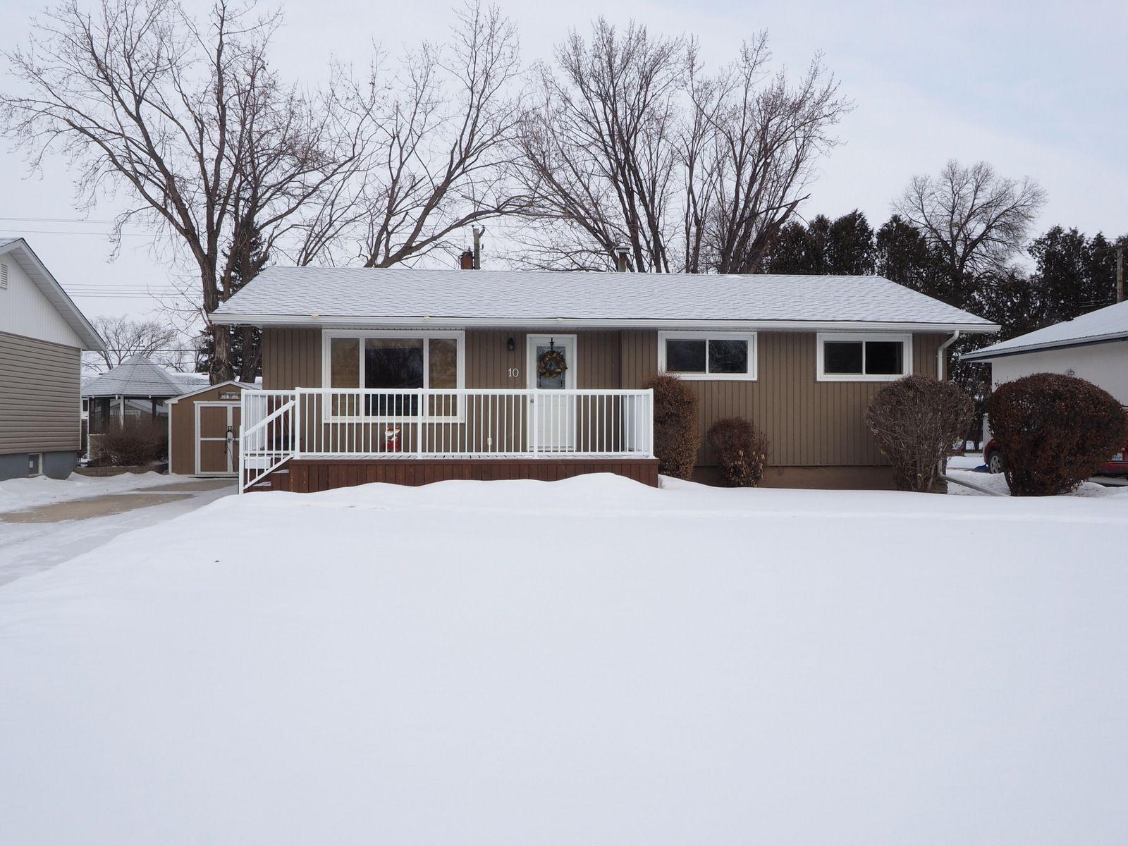 Main Photo: 10 Radisson Avenue in Portage la Prairie: House for sale : MLS®# 202103465