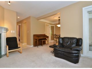 """Photo 3: 141 15550 26TH Avenue in Surrey: King George Corridor Townhouse for sale in """"Sunnyside Gate"""" (South Surrey White Rock)  : MLS®# F1414427"""