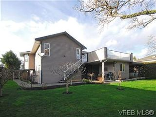 Photo 20: 4005 Santa Rosa Pl in VICTORIA: SW Strawberry Vale House for sale (Saanich West)  : MLS®# 596217