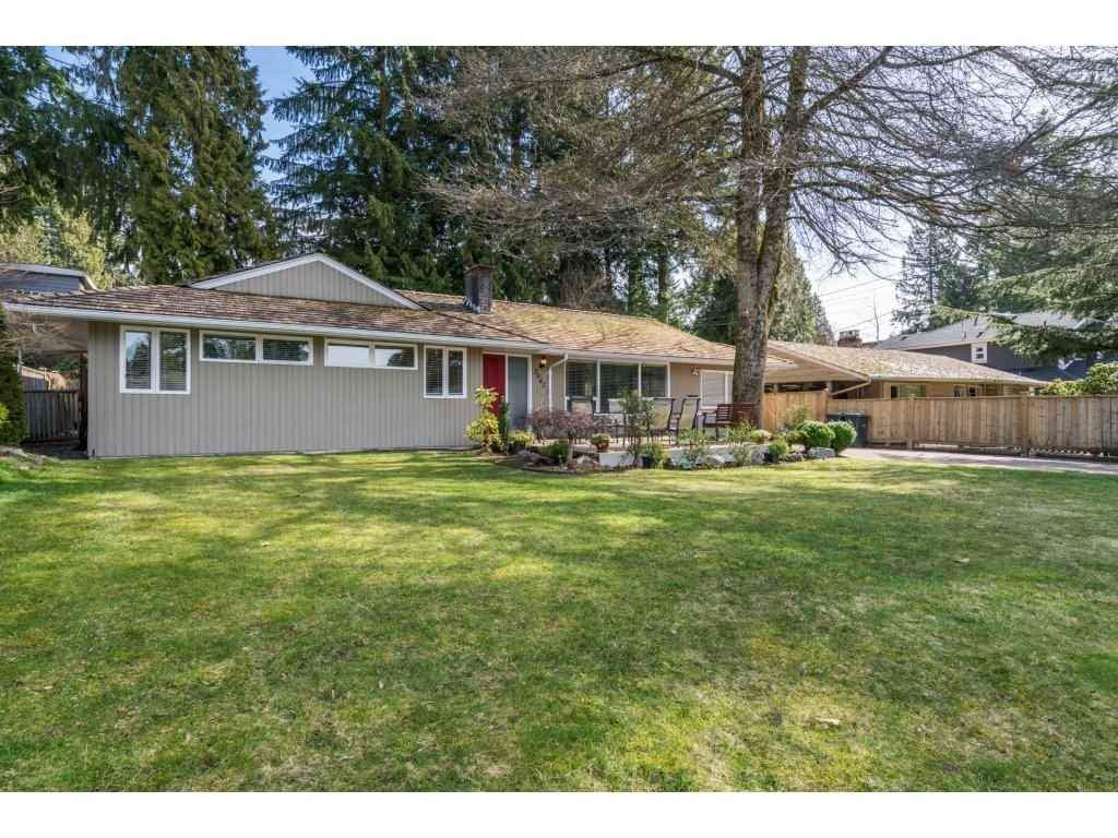 Main Photo: 3842 LORAINE AVENUE in : Edgemont House for sale : MLS®# R2246305