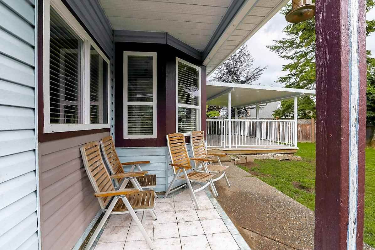 """Photo 19: Photos: 15676 84A Avenue in Surrey: Fleetwood Tynehead House for sale in """"FLEETWOOD"""" : MLS®# R2090516"""