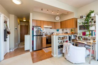 """Photo 8: 1105 680 CLARKSON Street in New Westminster: Downtown NW Condo for sale in """"THE CLARKSON"""" : MLS®# R2409786"""
