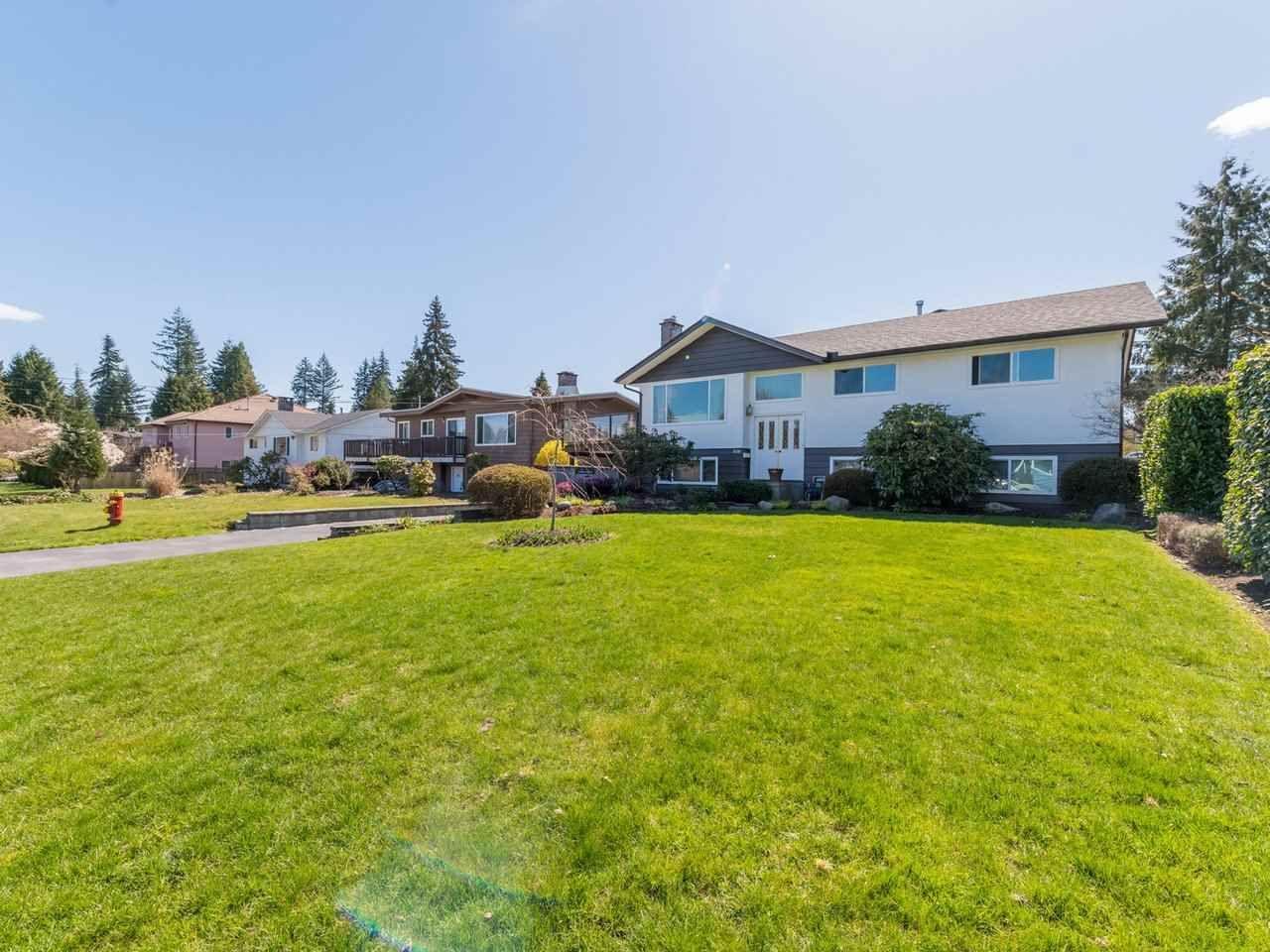 Photo 3: Photos: 808 REGAN Avenue in Coquitlam: Coquitlam West House for sale : MLS®# R2563486