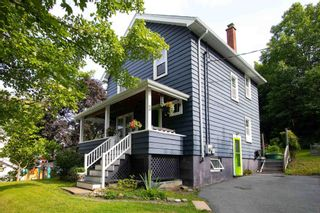 Photo 1: 3 Southdale Street in Dartmouth: 12-Southdale, Manor Park Residential for sale (Halifax-Dartmouth)  : MLS®# 202123528