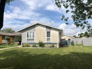 Photo 1: 253 Wales Avenue in Winnipeg: Meadowood Residential for sale (2E)  : MLS®# 1924373