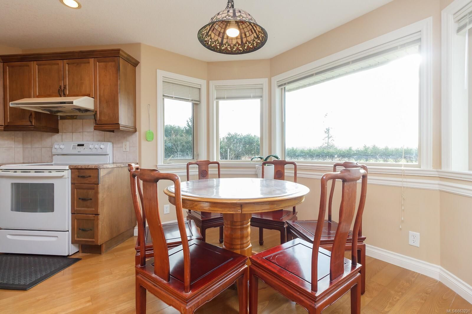 Photo 10: Photos: 1230 Hodges Rd in : PQ French Creek House for sale (Parksville/Qualicum)  : MLS®# 863231