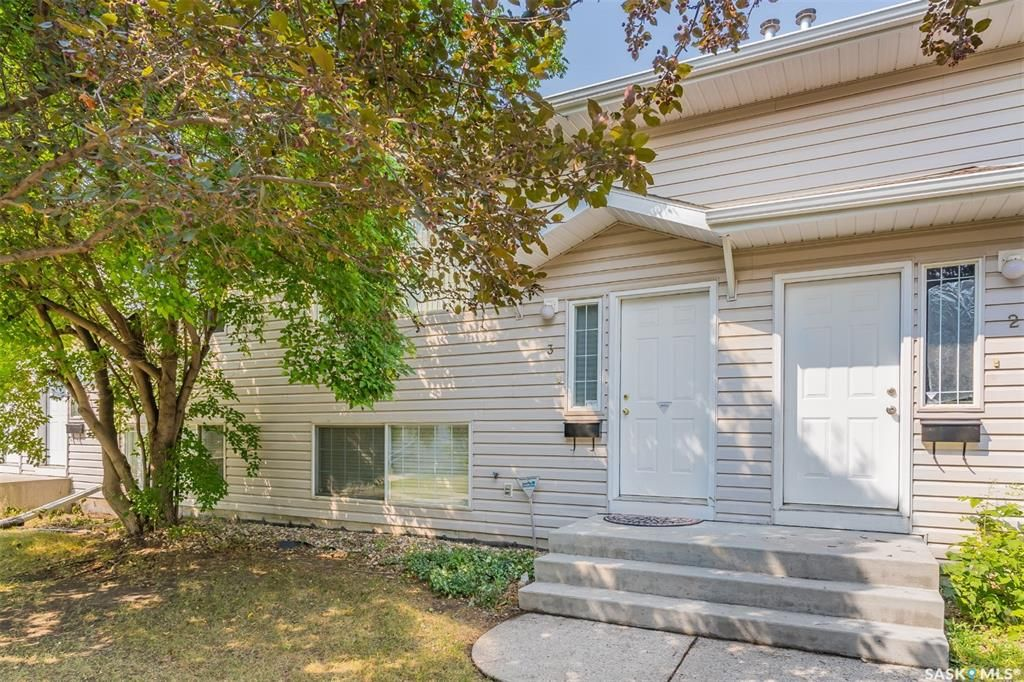 Main Photo: 3 95 115th Street East in Saskatoon: Sutherland Residential for sale : MLS®# SK865216