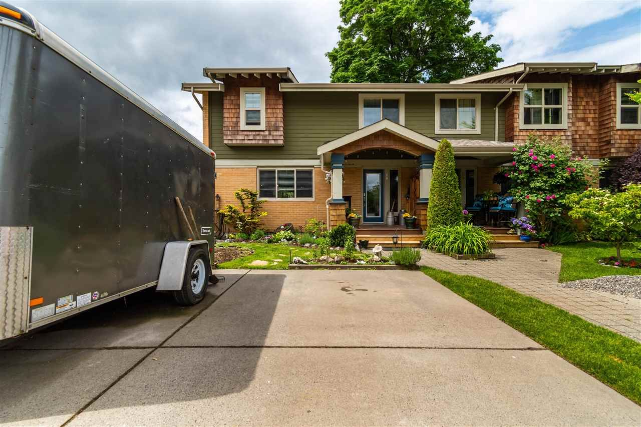"""Main Photo: 28 5960 COWICHAN Street in Chilliwack: Vedder S Watson-Promontory Townhouse for sale in """"QUARTERS WEST"""" (Sardis)  : MLS®# R2580824"""