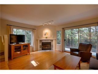 """Photo 2: 3934 INDIAN RIVER Drive in North Vancouver: Indian River Townhouse for sale in """"Highgate Terrace"""" : MLS®# V997469"""