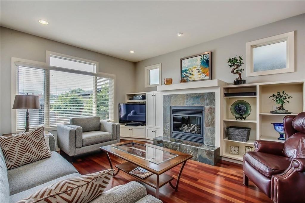 Photo 12: Photos: 3909 19 Street SW in Calgary: Altadore House for sale : MLS®# C4122880