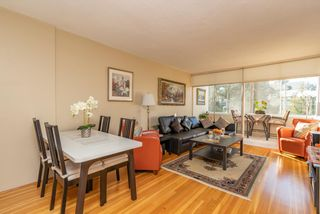 "Photo 3: 301 1425 ESQUIMALT Avenue in West Vancouver: Ambleside Condo for sale in ""OCEANBROOK"" : MLS®# R2435961"