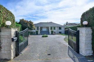 Photo 5: 13976 MARINE Drive: White Rock House for sale (South Surrey White Rock)  : MLS®# R2552761
