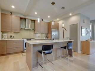 Photo 10: 453 Regency Pl in Colwood: Co Royal Bay House for sale : MLS®# 831032