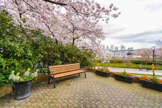"""Photo 33: 102 1450 PENNYFARTHING Drive in Vancouver: False Creek Condo for sale in """"Harbour Cove"""" (Vancouver West)  : MLS®# R2560607"""
