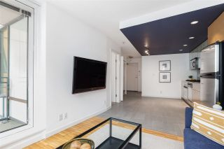 """Photo 7: 1507 33 SMITHE Street in Vancouver: Yaletown Condo for sale in """"COOPERS LOOKOUT"""" (Vancouver West)  : MLS®# R2539609"""
