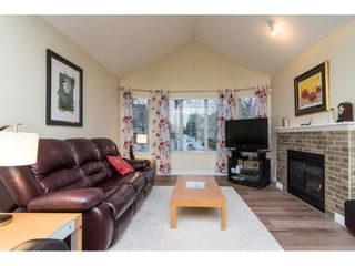 "Photo 3: 4 18883 65 Avenue in Surrey: Cloverdale BC Townhouse for sale in ""APPLEWOOD"" (Cloverdale)  : MLS®# R2246448"