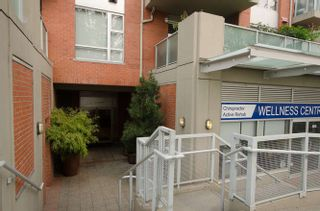 "Photo 3: 302 3811 HASTINGS Street in Burnaby: Vancouver Heights Condo for sale in ""Mondeo"" (Burnaby North)  : MLS®# R2204101"
