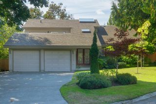 Photo 2: 2315 Greenlands Rd in : SE Arbutus House for sale (Saanich East)  : MLS®# 885822