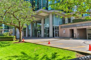 """Photo 4: 2002 588 BROUGHTON Street in Vancouver: Coal Harbour Condo for sale in """"HARBOURSIDE TOWERS 1"""" (Vancouver West)  : MLS®# R2580599"""